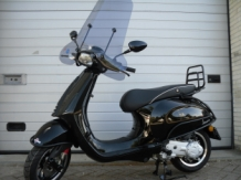 Vespa Sprint Black on Black Special E4